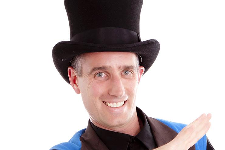 Magislain le magicien pour fête d'enfant